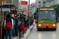Vuoi usare i trasporti pubblici per raggiungere il Triangolo Lariano? Puoi!